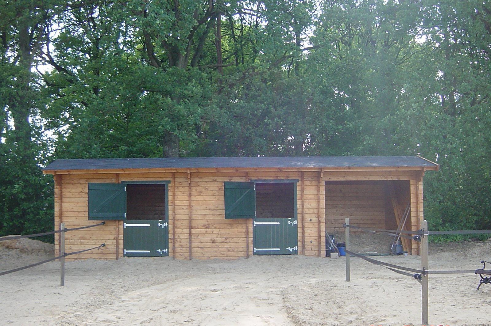 Paardenstallen garages chalets en meer for Garajes chalets